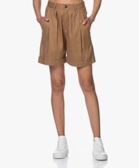 Closed Janie Pleated Bermuda Shorts - Golden Oak